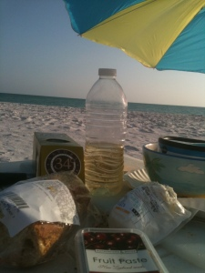 A very happy evening with a simple but savory meal on the beach.